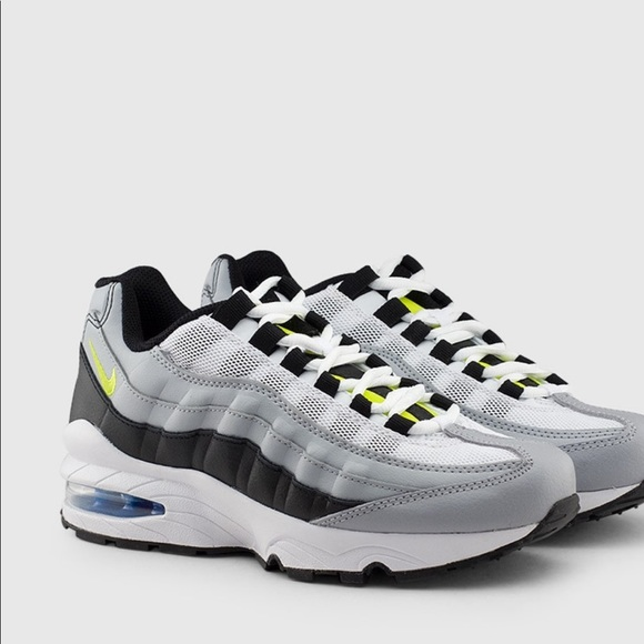 the latest 38dec 4dca1 Grey & Lime green Air Max 95